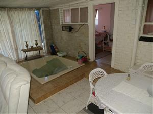 Sinoville, Pretoria, house to rent from 15 December to 10 January,