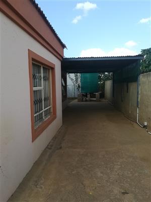 CASH DEAL ONLY :A house for sale near Baviaanspoort prison