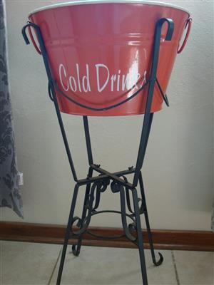 COOL DRINK BUCKET WITH STAND