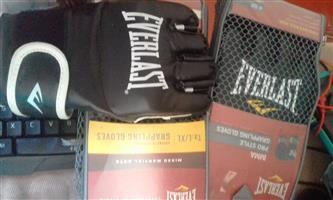grabbling gloves.