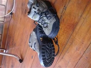 Hi Tech ladies boots siz5