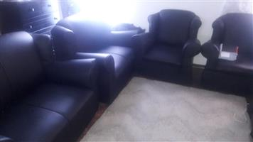 Beautiful six piecer sofa set!