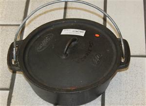 Cast iron pots S031002A #Rosettenvillepawnshop