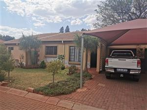 Hestea Park 3 bedroom house to let avail immediately: