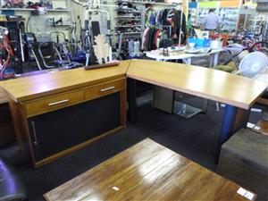 Wooden L-Shape Desk with Credenza, used for sale  Gauteng