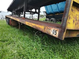 Great Buy! 1998 Henred Fruehauf Double Axle flatdeck trailer