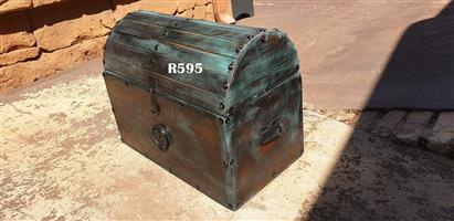 Round Lid Treassure Chest (550x310x435)