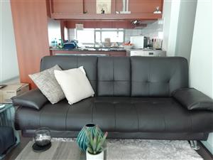 3-seater sleeper leather couch