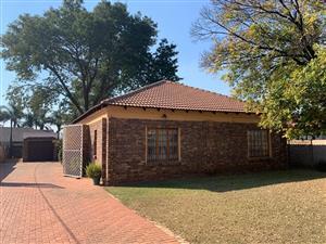Spacious, Neat Three Bedroom House in Silverton Ext, Silverton. Pretoria