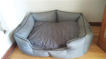 Dog bed - extra large Wag World Bed