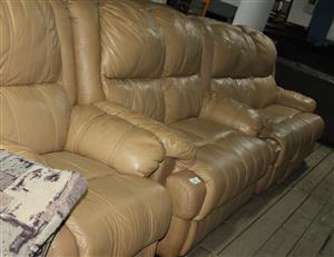 3 piece recliner lounge suite S033619A #Rosettenvillepawnshop