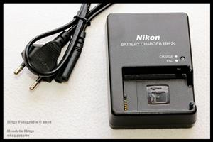 Nikon MH-24 Battery Charger