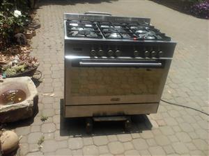 Gas/elect stove