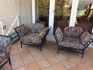 8 patio chairs 1.3 m*1m 4 cushions