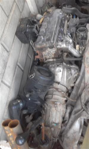 Complete engine and gearbox nissan np300