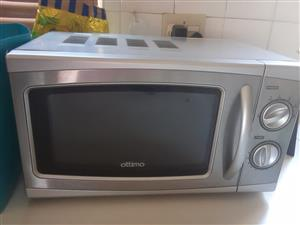 Microwave in excellent condition Ottimo