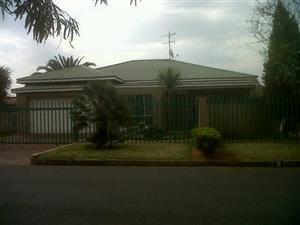 Dalview Property for sale R1,300,000.00 - 2 HOUSES ON PROPERTY