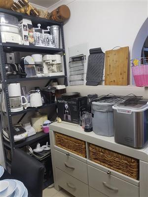 Various kitchen appliances for sale