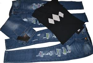 Female Torn Skinny Jeans