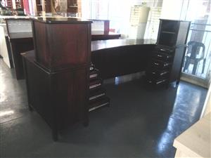 Mahogany veneer reception counter