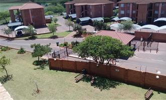 2 Bedroom Flat for sale in secure complex KINGFISHER ANNLIN WEST-PRETORIA NORTH 1ST MARCH 19 OCCUPANCY