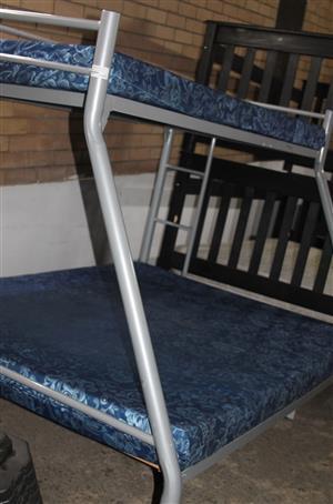 Tri-bunk with mattresses S032734a #Rosettenvillepawnshop