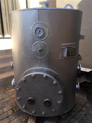 GEYSER HOT WATER BOILER 1000 LITRE, 400KPA PRESSURE, RECONDITION WITH 80MM FLANGE CONNCETION