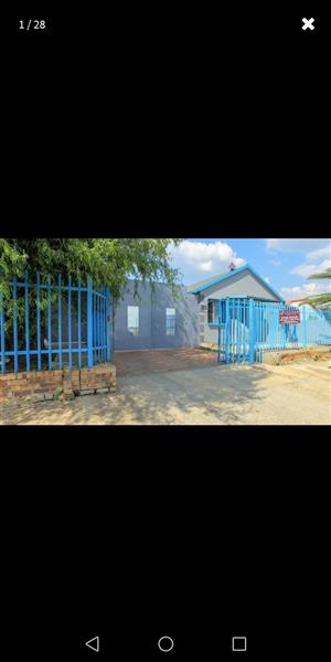House to rent in Lenasia South EXT 4