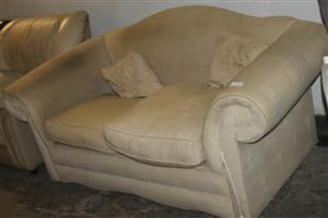 2 Seater Couch S029946A #Rosettenvillepawnshop