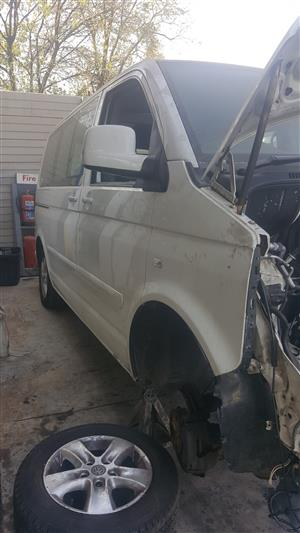 VW T5 Transporter / Combi / Caravelle 2.5tdi Stripping for Spares
