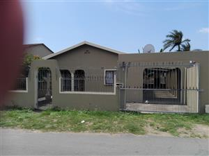FREESTANDING HOUSE FOR RENT IN PALMVIEW