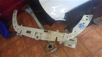 Range Rover Evoque cradle and Bumber Stiffner for sale