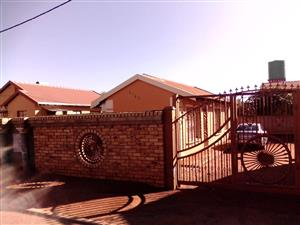 3 BEDROOMS FOR SALE GA-RANKUWA ZONE 9 R500 000.00 CALL SOPHY @ 0760813571