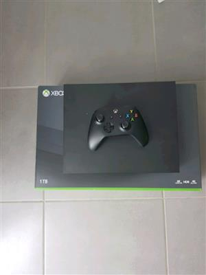 Xbox one x 1tb console as new includes all cables & 1 control R6500
