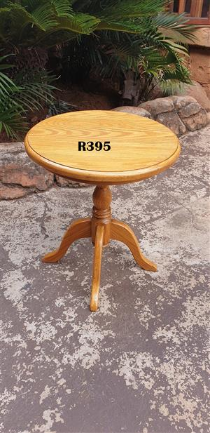 Round Solid Oak Side Table (D 400mm H 460mm)