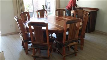 Round sleeper table and chairs