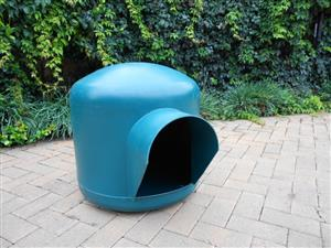 Igloo dog kennel (medium)