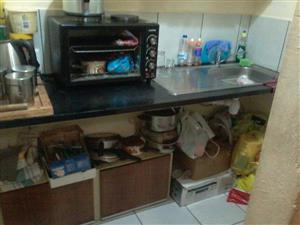 1 Bedroom flat to let in Moot Area. Prepaid Electricity