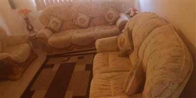 Exquiste 3 piece lounge set for sale!