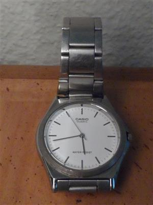 Casio stylish analogue wrist watch, water resist, new battery