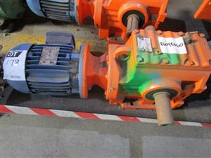 1.1kW, 4 Pole, 525v, 97.14:1 Ratio Geared Motor- ON AUCTION
