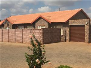 AVAILABLE IMMEDIATELY: 3 Bedroom Family Home in Secure Estate with ample space for Bulky Furniture. Conditions Apply