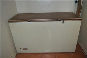 Commercial Chest Freezer - 567 Litre
