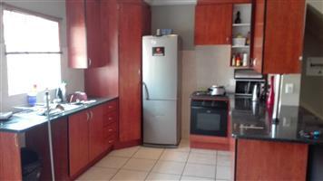 Willow park manor R9800 3br duplex