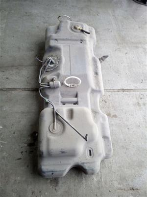 CHRYSLER VOYAGER 3.3 FUEL TANK