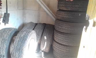 19,5 tires 16x R1000 each