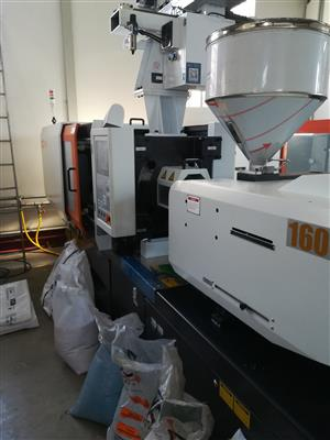 LOG160S8 injection moulding machine
