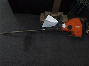 Hilti TE 700-AVR Jackhammer