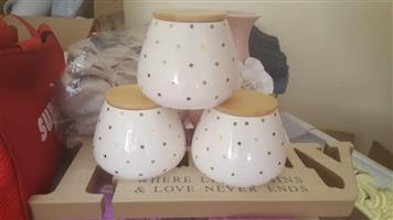 White spotted 3 piece container set