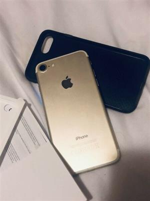 iPhone 7 Gold 32GB * Very clean condition * R4K